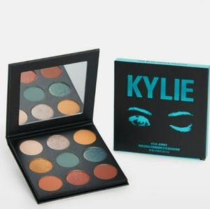Kylie blue honey palette